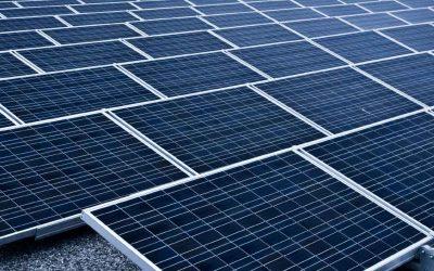 > ZON OP DAK BEDRIJFSDAKEN WORDEN ENERGIECENTRALES